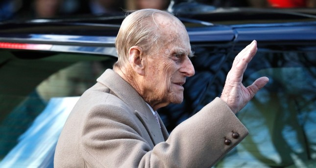 Prince Philip, queen's husband, uninjured after car accident - Daily