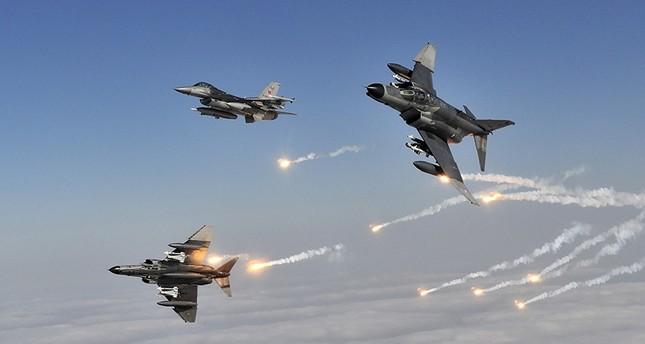 سلاح الجو التركي يدمر ستة مواقع ومبانٍ لداعش شرق حلب