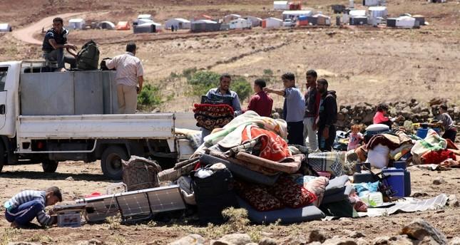 تحركات النظام العسكرية دفعت بالمدنيين إلى النزوح عن قرى بأكملها رويترز
