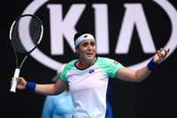 التونسية أُنس جابر تنهي مسيرة فوزنياكي في بطولة أستراليا المفتوحة للتنس