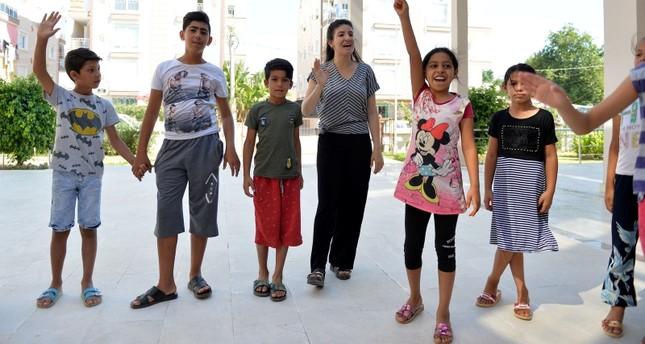 الركض دون حذاء يطور المهارات الحركية للأطفال والمراهقين