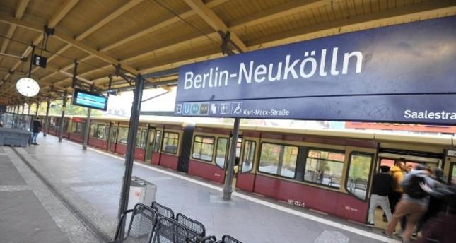 Berlin-Neukölln: Frau vor S-Bahn gestoßen - Mordkommission ermittelt