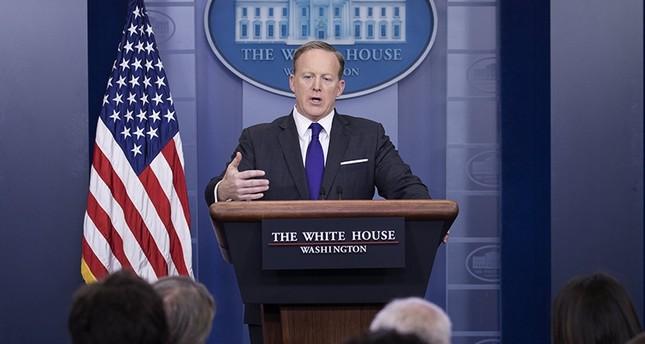 متحدث البيت الأبيض يعتذر عن قوله حتى هتلر لم يستخدم السلاح الكيماوي