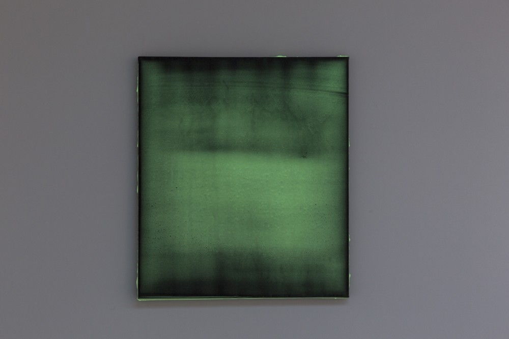 In u201cLight in the Dark,u201d Satu0131 u201ctests the surface of the canvas, oscillating between different levels of density using a simplified color palette, the exhibition catalogue says