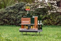 افتتاح أصغر ماكدونالدز في العالم بالسويد