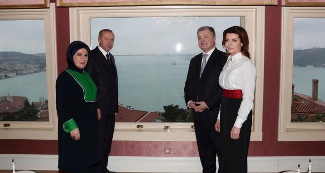 Poroshenko meets Erdoğan in Istanbul ahead of Ukrainian church independence ceremony