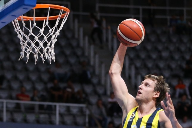 Vesely of Fenerbahçe and De Colo of CSKA Moscow were the top-scorers with 21 points.