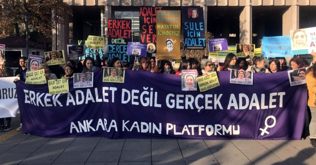 Women's rights protesters gather outside the courtroom during the tria in Ankara, Nov. 20, 2019. (DHA Photo)