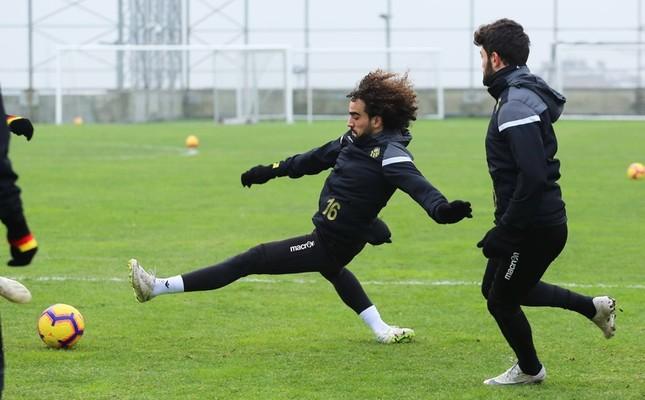 Sadık Çiftpınar of Evkur Yeni Malatyaspor is targeted by Fenerbahçe and Beşiktaş.