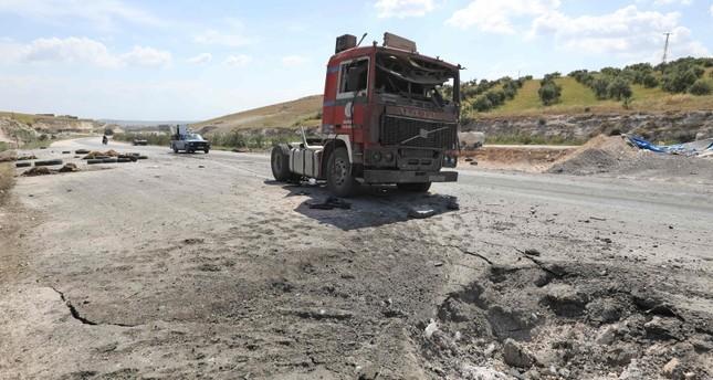 من آثار القصف على المدنيين - استهداف شاحنة تحمل أغناما (الفرنسية)
