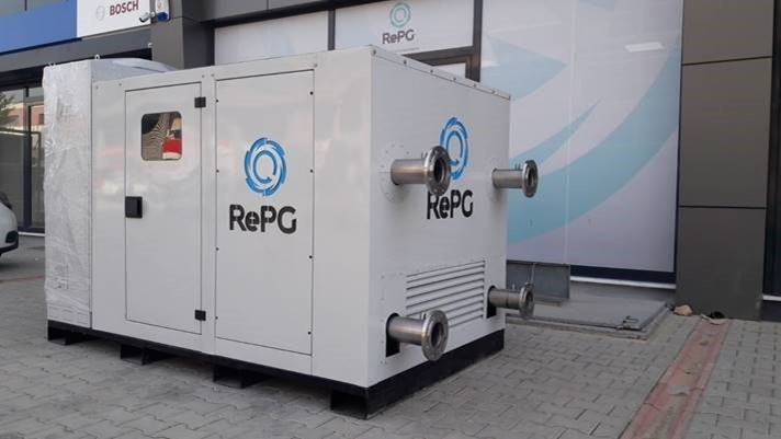 Producing water, electricity from air easier than thought