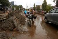63 погибли в результате наводнений в Индонезии