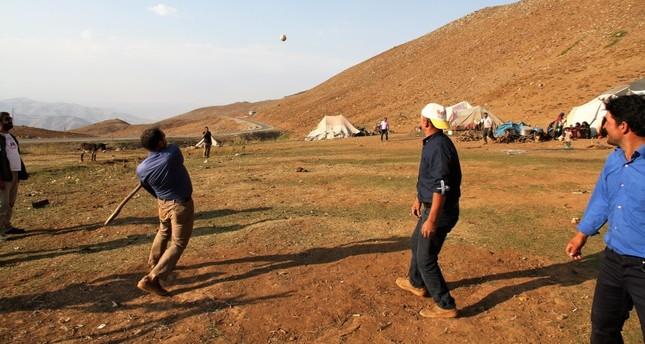 Nomads play games of their ancestors in flatlands