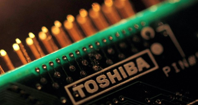 3 groups vying for Toshiba's prized chip unit