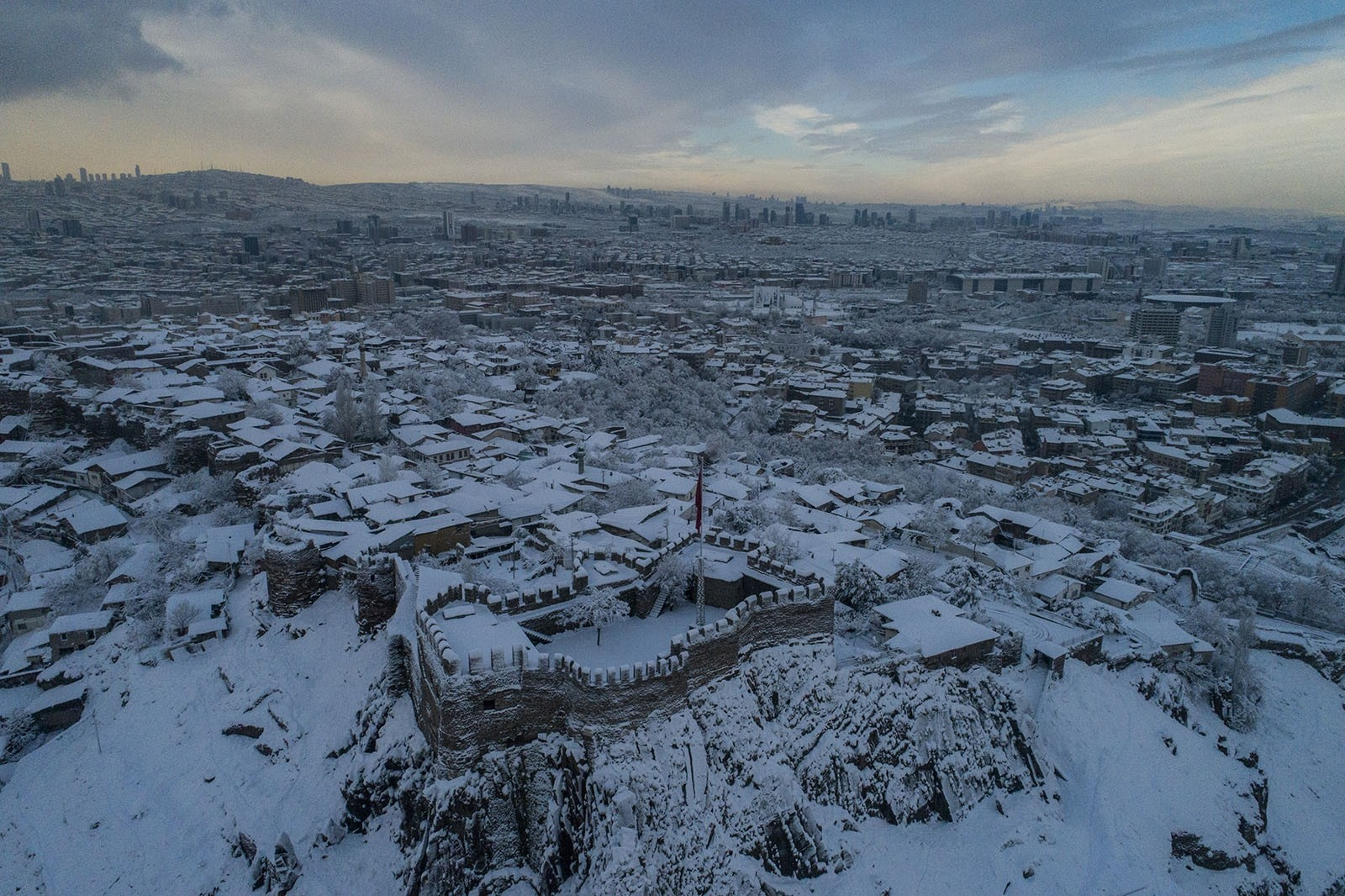 Snow blanket covers most of Turkey, warms hearts