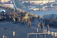 Pro-coup soldiers blocking Istanbul's Bosporus Bridge surrender; 1374 arrested across Turkey