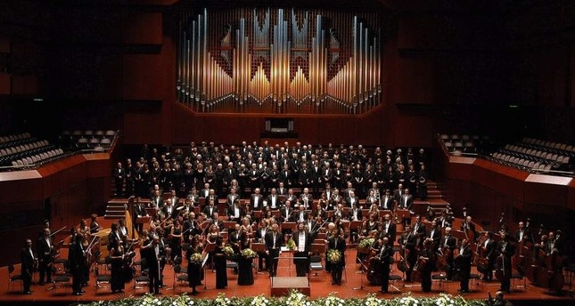 The Presidential Symphony Orchestra CSO will perform Neapolitan songs and arias at the concert on Dec. 27.