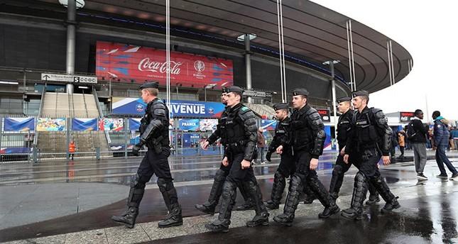BKA warnt vor Anschlägen auf Fußball-EM in Frankreich