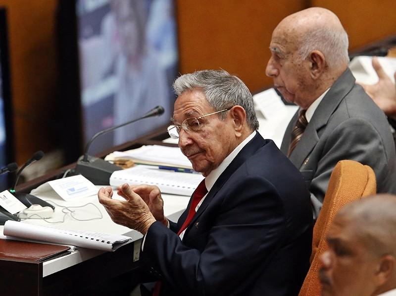 Cuban President Raul Castro (L) attends with the second Secretary of the Communist Party of Cuba, Jose Ramon Machado (R) to the constitutive session of the IX Legislature of the Cuban Parliament, in Havana, Cuba, 18 April 2018. (EPA Photo)