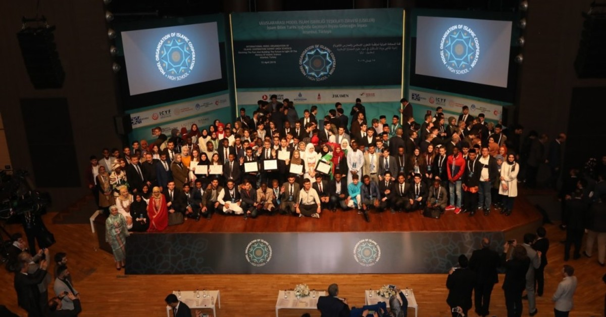 Participants pose at the end of the event at Istanbul's Beyou011flu Anadolu u0130mam-Hatip School, April 15, 2019.