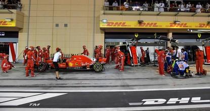 Raikkonen's car hits Ferrari mechanic after tire change