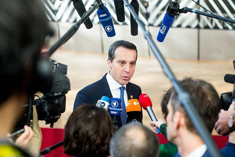 Austrian Chancellor Christian Kern arrives for the second day of the European spring summit in Brussels, Belgium, 10 March 2017 (Reuters Photo)