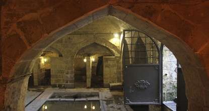 A mosque located some seven meters below ground in the 734-year-old Pişirici Kastel in Gaziantep will soon open for worship for the first time in almost 80 years.br /