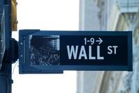 US stock market closes mixed as bank shares tumble, tech stocks rise