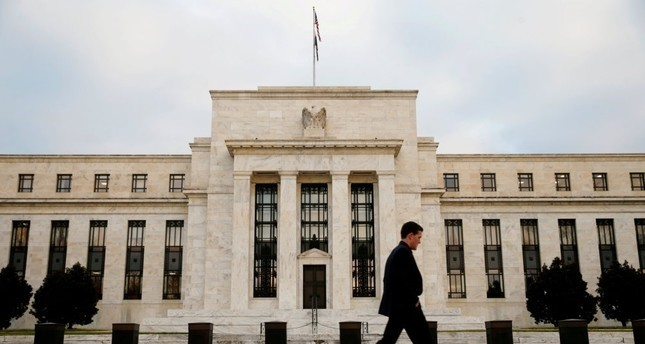 Fed sets limits on biggest banks' loans to each other