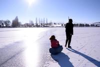 بحيرة السمك أعلى مسطح مائي في تركيا تكتسي الرداء الأبيض