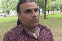 من هو البطل الذي تصدى لسفاح نيوزيلاندا وأنقذ معظم رواد مسجد لينوود؟