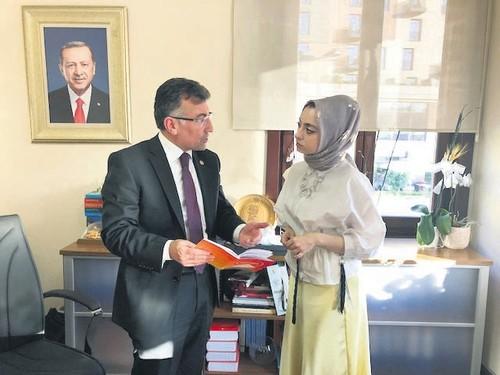 Abdullah Güler, left, and Daily Sabah's Şeyma Nazlı Gürbüz.
