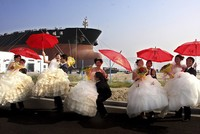 China aims to restrict 'vulgar,' extravagant weddings