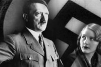Hitler's personal belongings to be sold in auction