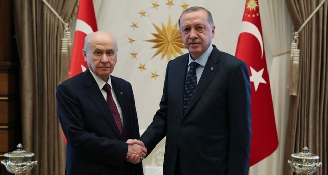 أردوغان يلتقي زعيم الحركة القومية في مجمع الرئاسة