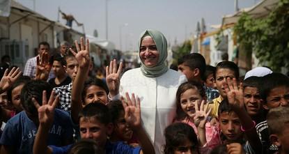 pDie türkische Familien- und Sozialpolitikministerin Fatma Betül Sayan Kaya erklärte am Freitag, dass zwischen Januar 2014 und Juli 2017 insgesamt 225.000 syrische Babys in der Türkei auf die Welt...