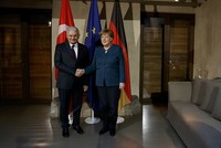 Prime Minister Binali Yıldırım met Saturday German Chancellor Angela Merkel on the sidelines of 53. International Munich Security Conference.  The breakfast meeting at the Bayerischer Hof hotel,...