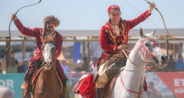 انطلاق فعاليات مهرجان الرياضات التقليدية في إسطنبول