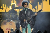 Superstar Prince died of opioid overdose, tests indicate