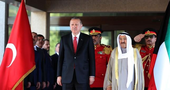 الرئيس التركي رجب طيب أردوغان وأمير الكويت صباح الجابر الأحمد الصباح