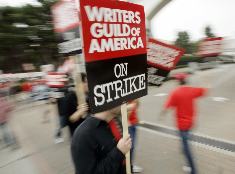 The writersu2019 strike lasted 100 days in 2007-08 and was costly to the businesses that serve Hollywood and to consumers expecting to be entertained.