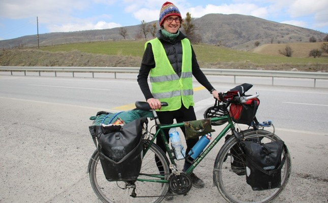 British cyclist stops in Turkey on his way to Japan