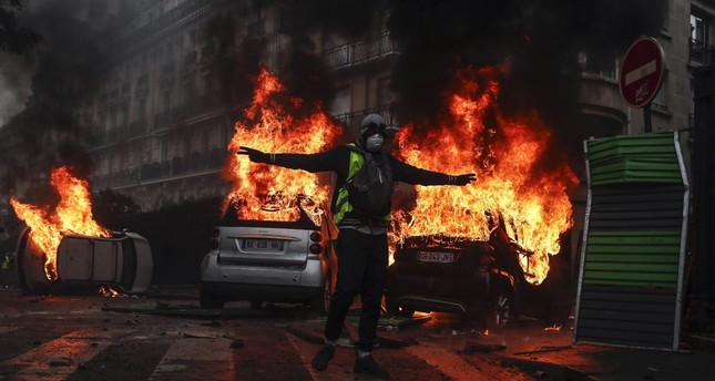 Turkey prioritizes stability in France, concerned over police violence, protesters' vandalism