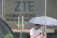 ZTE stocks collapse at resumption of trading in Hong Kong