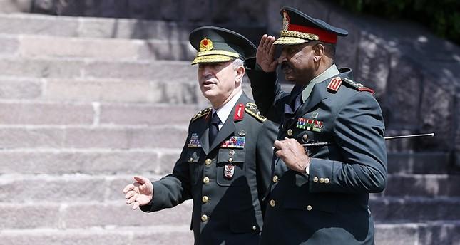 رئيس الأركان التركي يلتقي نظيره السوداني في أنقرة