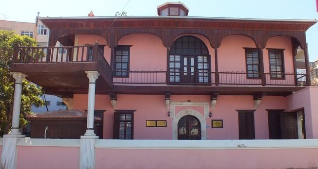 Historic homes integrate architecture, tourism