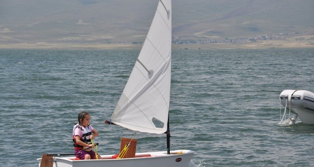 Champion sailors to be trained on northeastern Turkey's Lake Çıldır