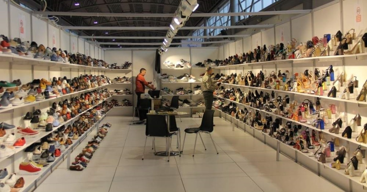 In the period of January to November, Turkey reached $1.6 billion in exports of footwear and leather products. (AA Photo)