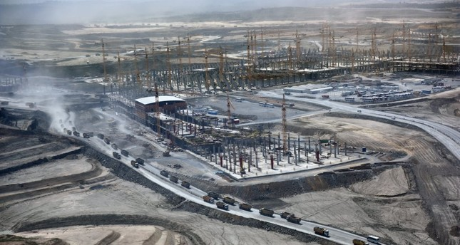 The third airport being built in Istanbul is almost half complete. It is planned to make the first part of the huge complex, with a passenger capacity of 90 million per annum, operational early next year. (Photo: Sabah / Kutup Dalgakıran)