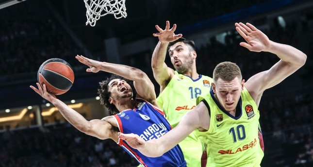 Anadolu Efes seeks two wins in Spain